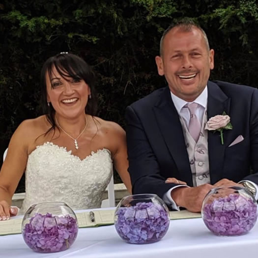 Kay and Chris Knight Raise an amazing £600 on their wedding day